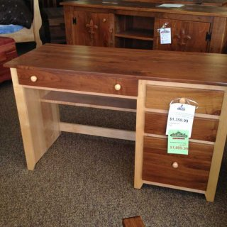 Red Tag Amish Made Desk @ Baton Rouge BR-20 SOLD