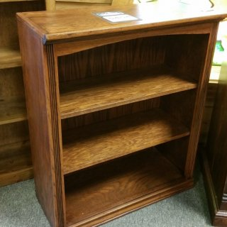 3'H Oak Bookcase @ UL Store UL-78 SOLD