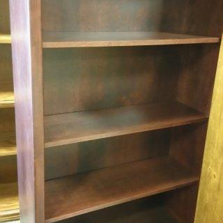 5'H Maple Bookcase @ UL Store UL-76 In Stock