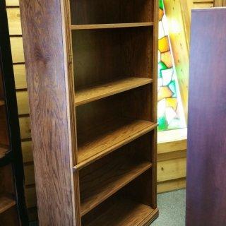 6′ Oak Bookcase @ UL Store UL-75 Sold