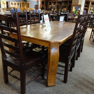 7′ Giant Crawfish Table @ Baton Rouge BR-42 SOLD