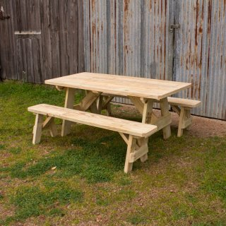 Traditional Picnic Table w Benches