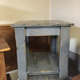 Classic End Table @ Pinhook PH-108 In Stock