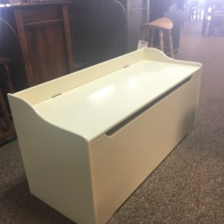 47″ Parawood Toy Chest in Snow White @ Baton Rouge BR-257 In Stock