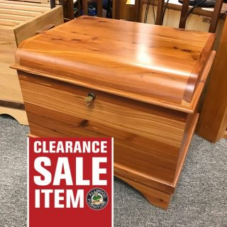 Cedar Hope Chest @ UL Store In Stock UL-405