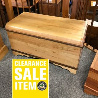 36 1/2″ Amish Maple Hope Chest @ UL Store In Stock UL-406